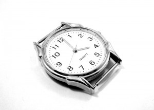 800px-Quartz_watch_ubt_EXP_123