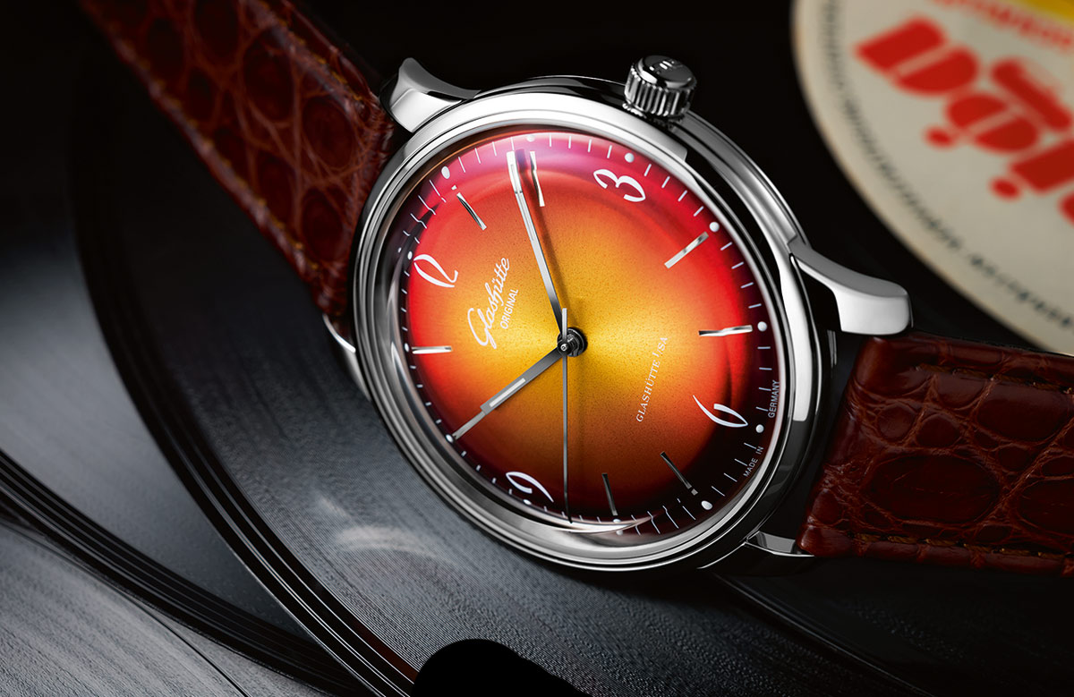 Glashutte-Sixties-Iconic-Red-1-39-52-07-02-01_a