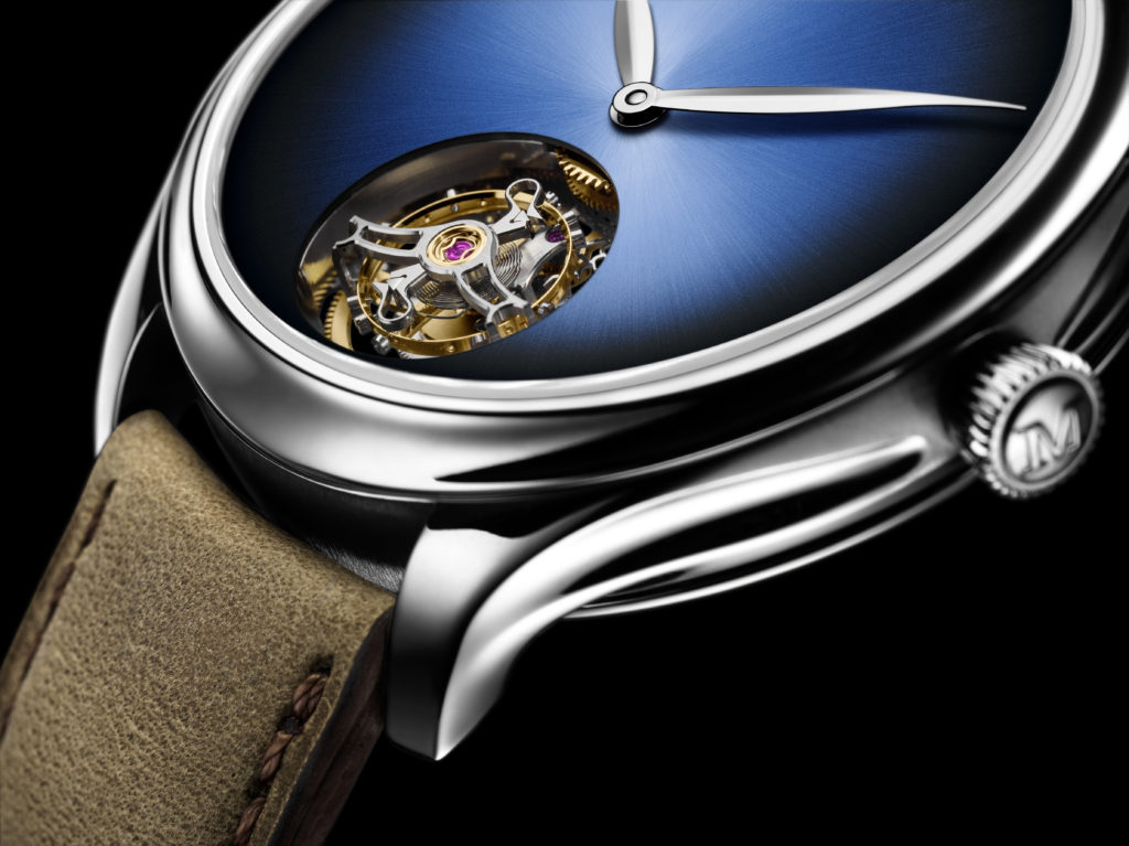 endeavour_tourbillon_concept_closeup_black_background